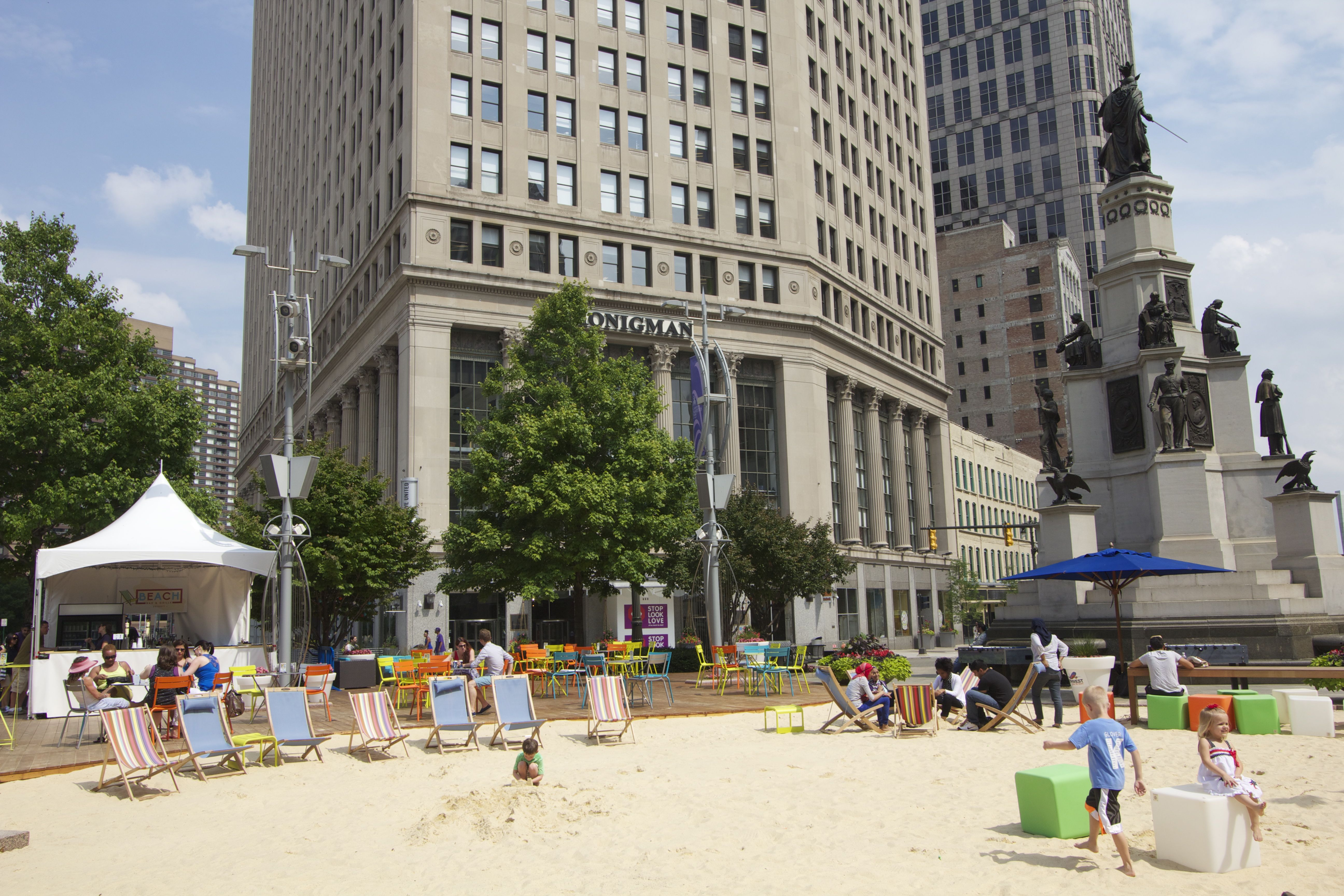 Beachfront plaza Detroit