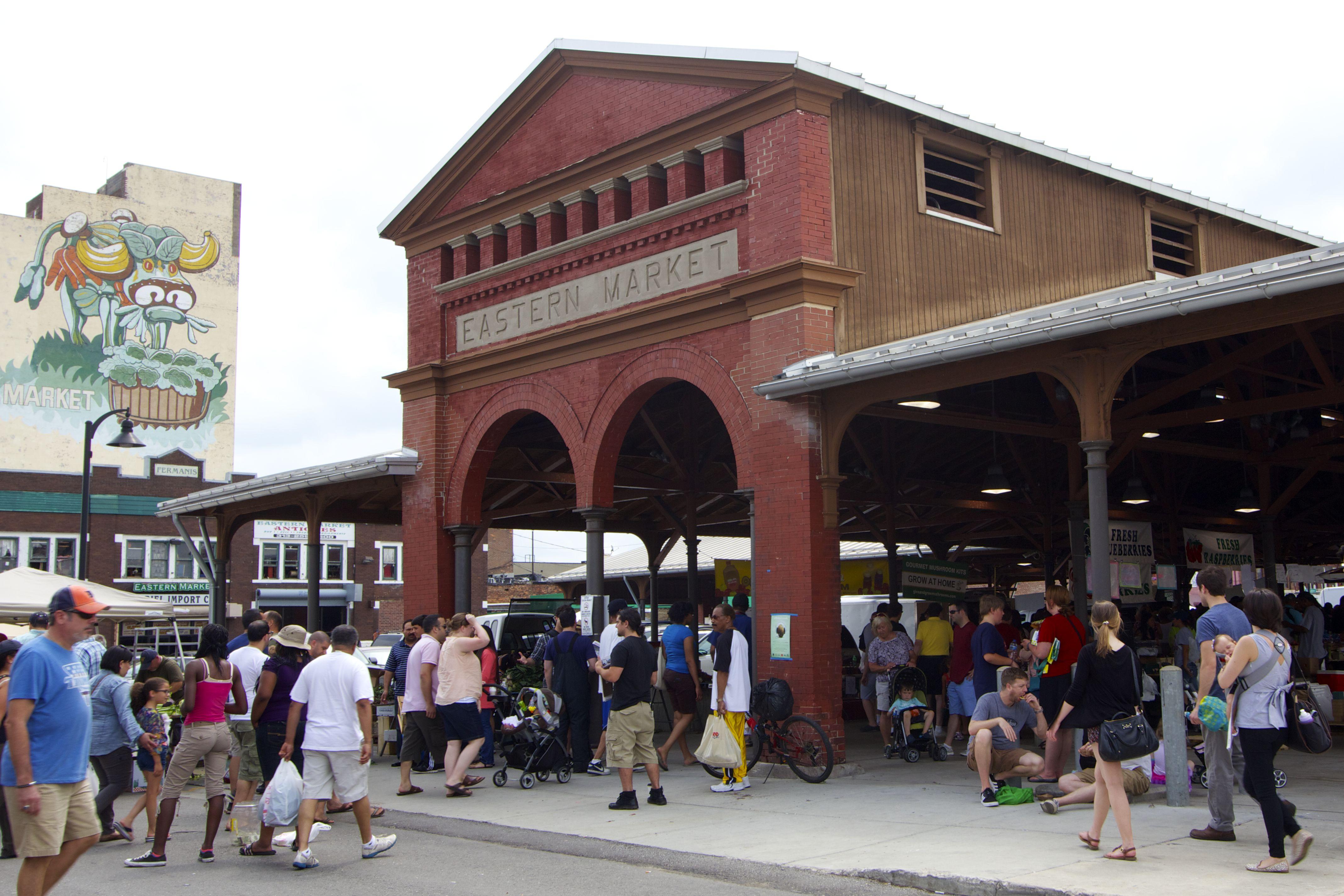 detroits historic eastern market - 910×607