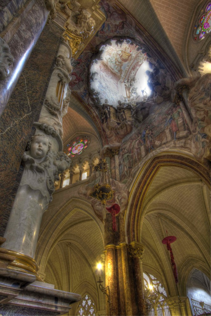 Toledo cathedral oculus-low res test 1 Rbundy