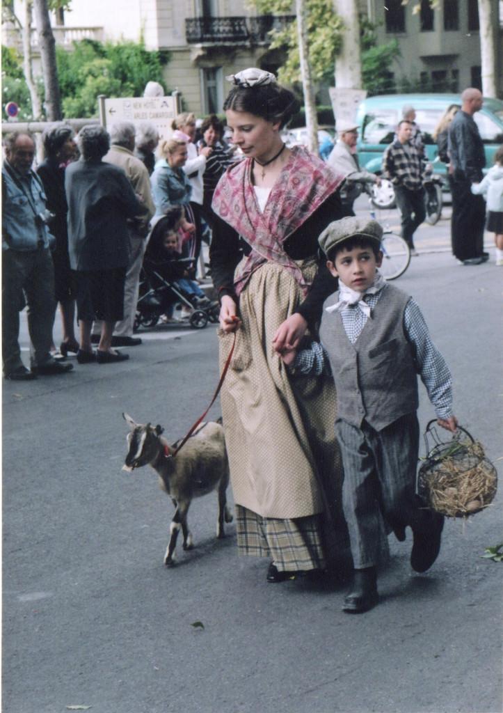 The parade of Arlesian history.