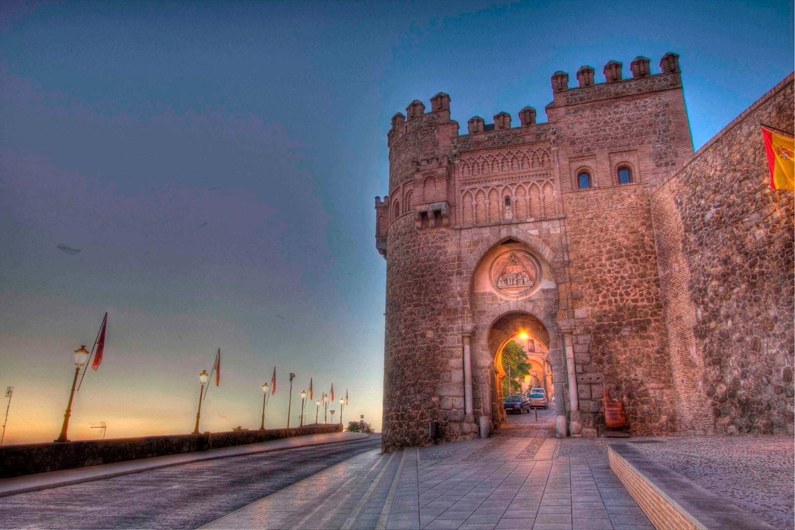 Travelers Roundtable, Toledo, Puerto del Sol gate, Robert Bundy, Visigoth