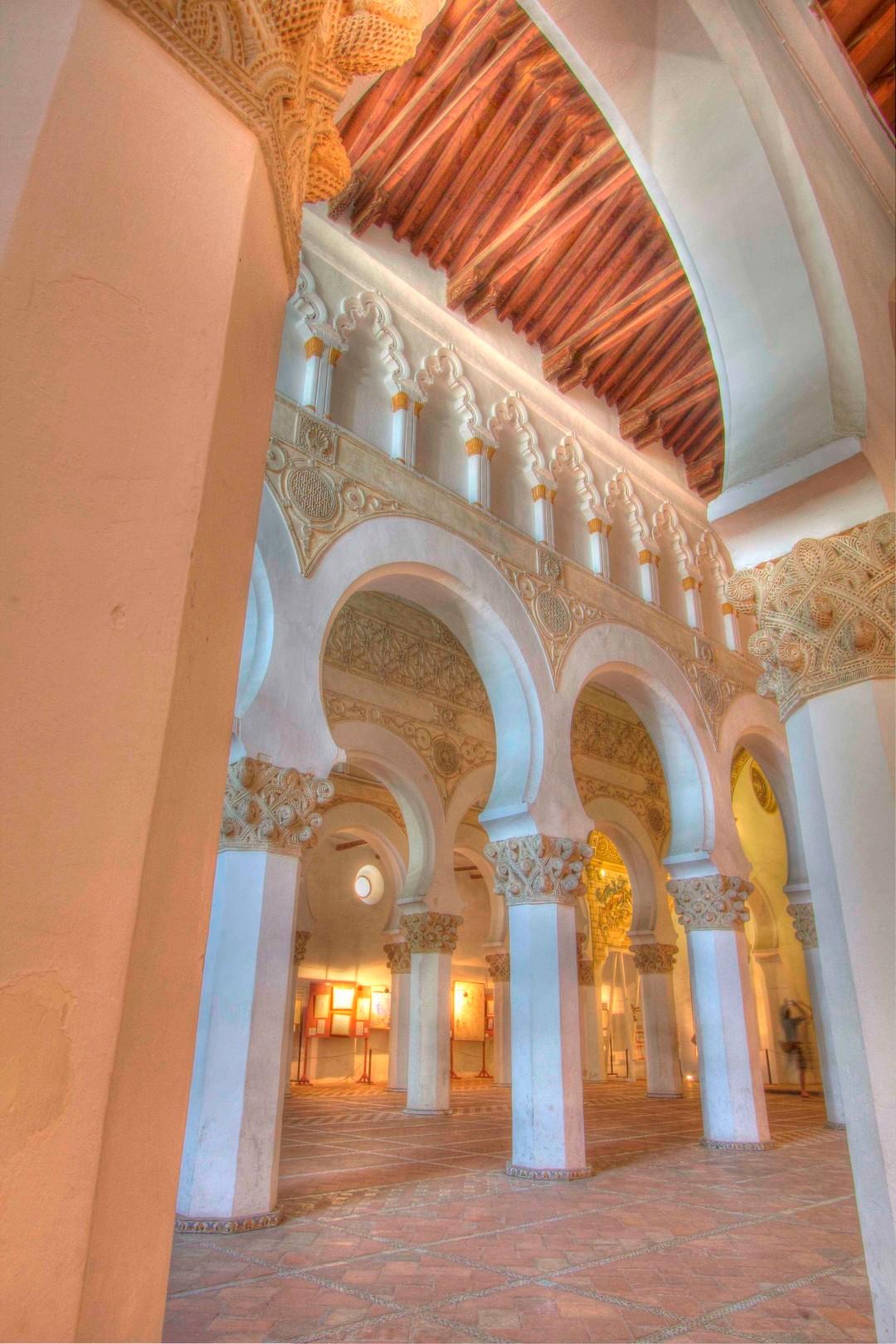Santa María la Blanca, Jewish, synagogue, Toledo, Spain, Travelers Roundtable, Robert Bundy